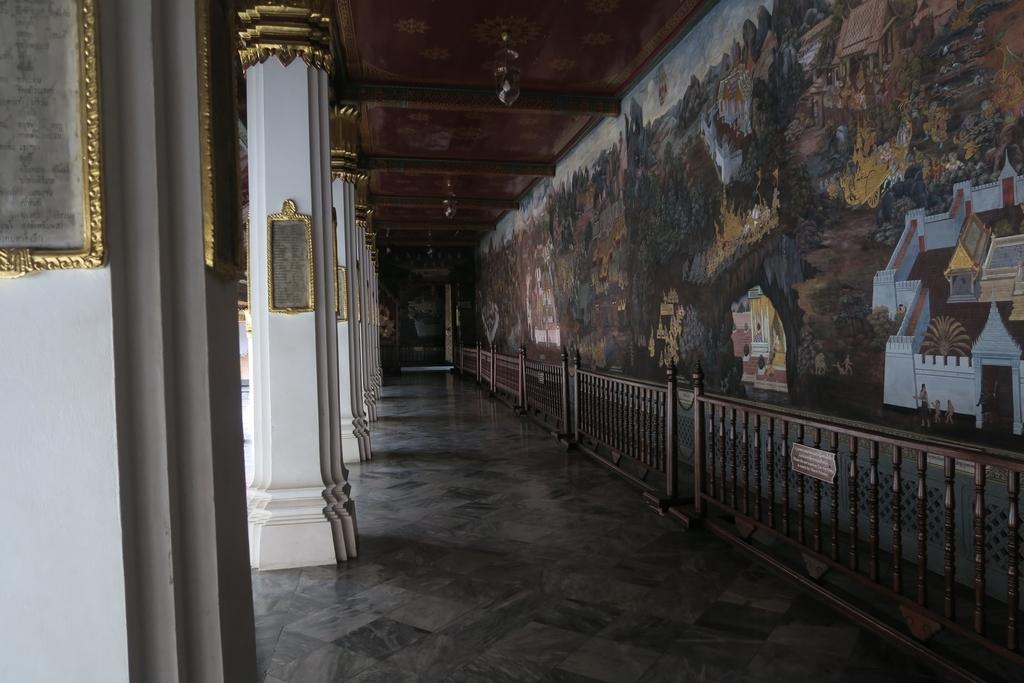 回廊に描かれた絵