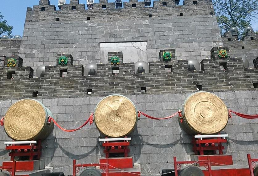 木龍湖公園 城壁 太鼓