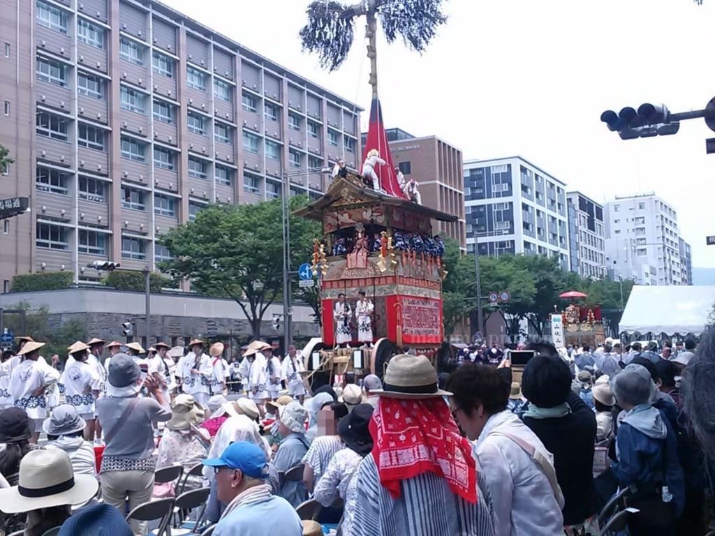 京都祇園 沿道から観覧
