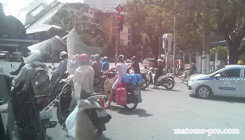 ベトナム ハノイ市内 バイク