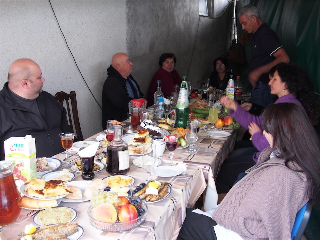 ジョージアでの食事風景