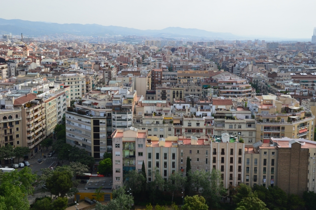 サグラダ・ファミリアから見下ろすバルセロナの街並み