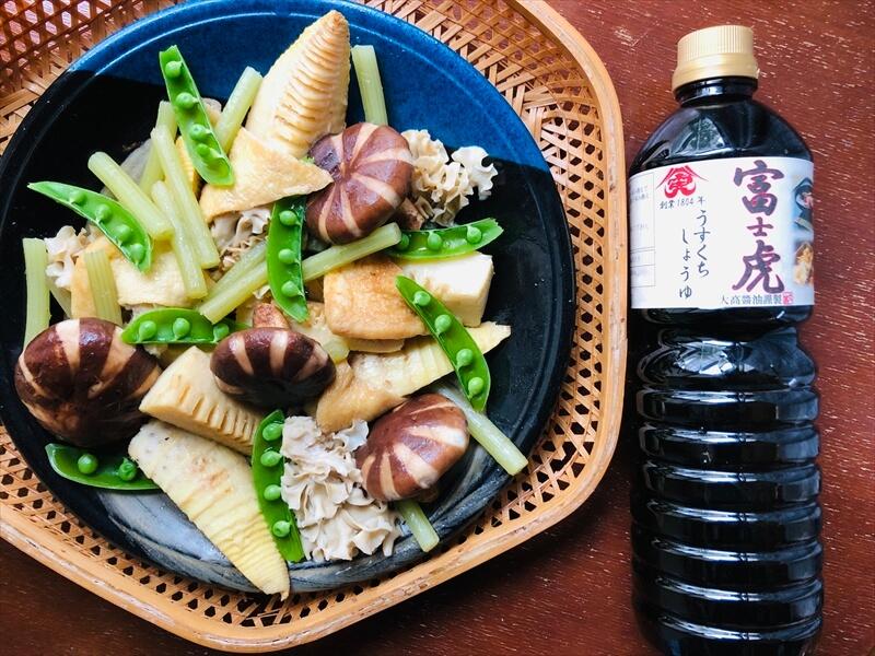 きのこと春野菜の炊き合わせ(大髙醤油株式会社の薄口醤油使用)