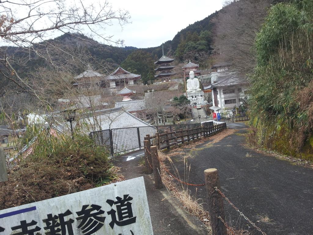 壷阪寺の参道