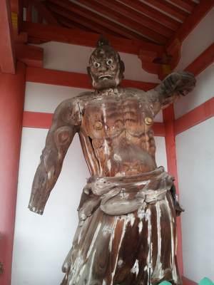 壷阪寺の阿形吽形像