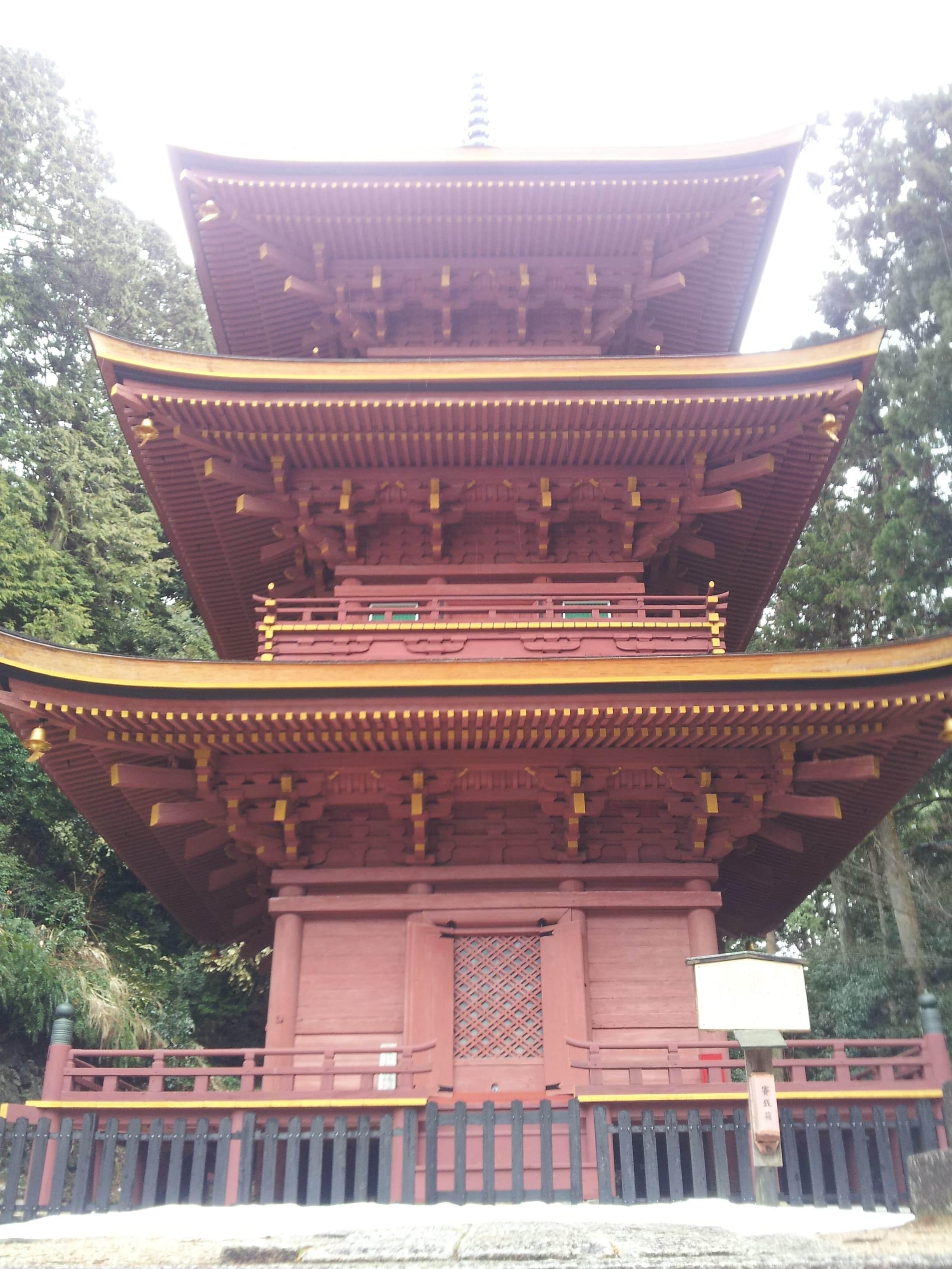 長命寺の三重塔