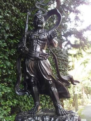 岩間寺の仁王像
