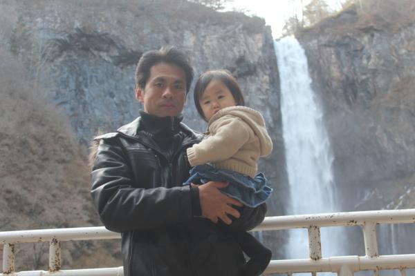 華厳の滝(娘と撮影)