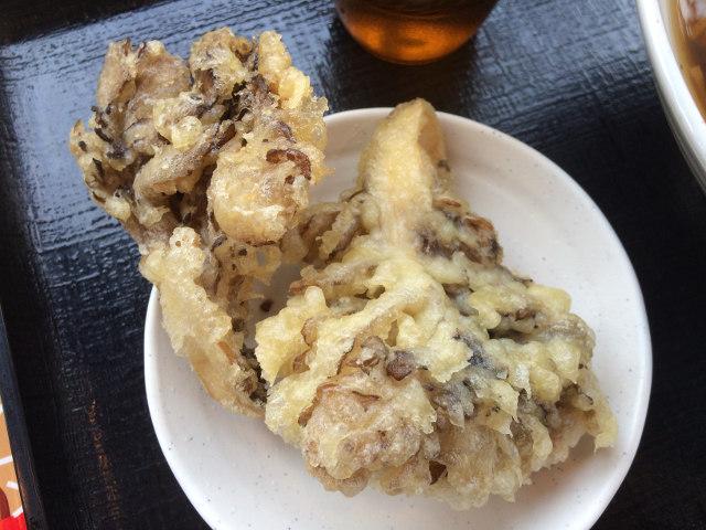 舞茸天ぷらを別皿で提供