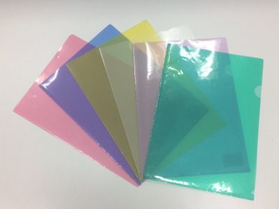 クリアファイルの色バリエーション