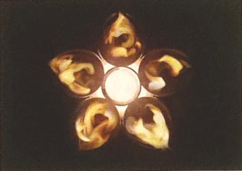 点火中の聖火を上から見たイメージ