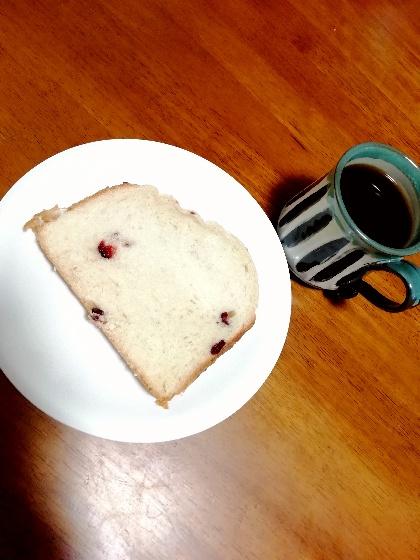甘酒クランベリー食パン 断面