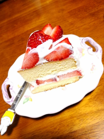 手作り ケーキ 断面 イチゴ 簡単 生クリーム