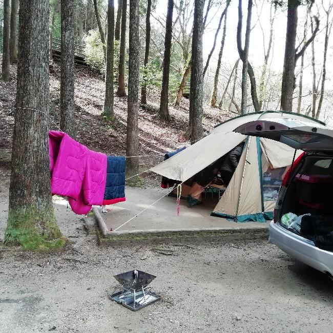 キャンプ 朝 干す 寝袋