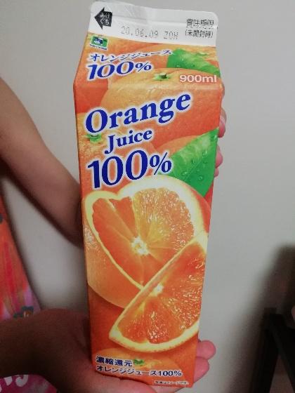 果汁100% オレンジジュース 写真 画像