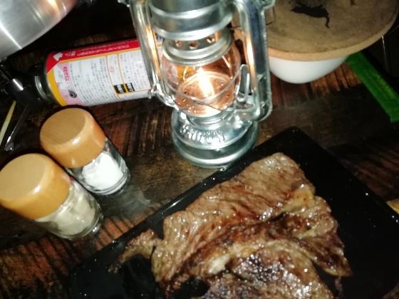 キャンプ飯 ステーキ バーベキュー キャンプ アウトドア ご飯 晩御飯 牛肉