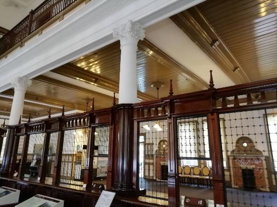 旧唐津銀行本店 辰野金吾記念館 佐賀県 唐津市 画像 写真 窓口