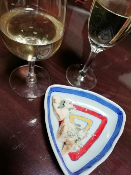 ブルーチーズ 白ワイン 写真 画像 食べやすい おいしい