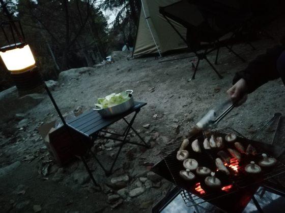 春キャンプ バーベキュー キャンプ キャンプ飯 写真 画像