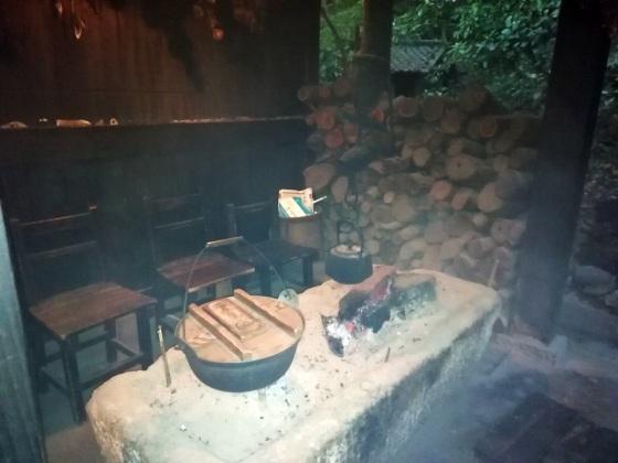 鳥栖市 家族風呂温泉 山ぼうし 写真 画像 囲炉裏