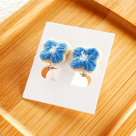 ハンドメイド 刺繍 花 青い花 かわいい 画像 写真 ハンドメイドイヤリング