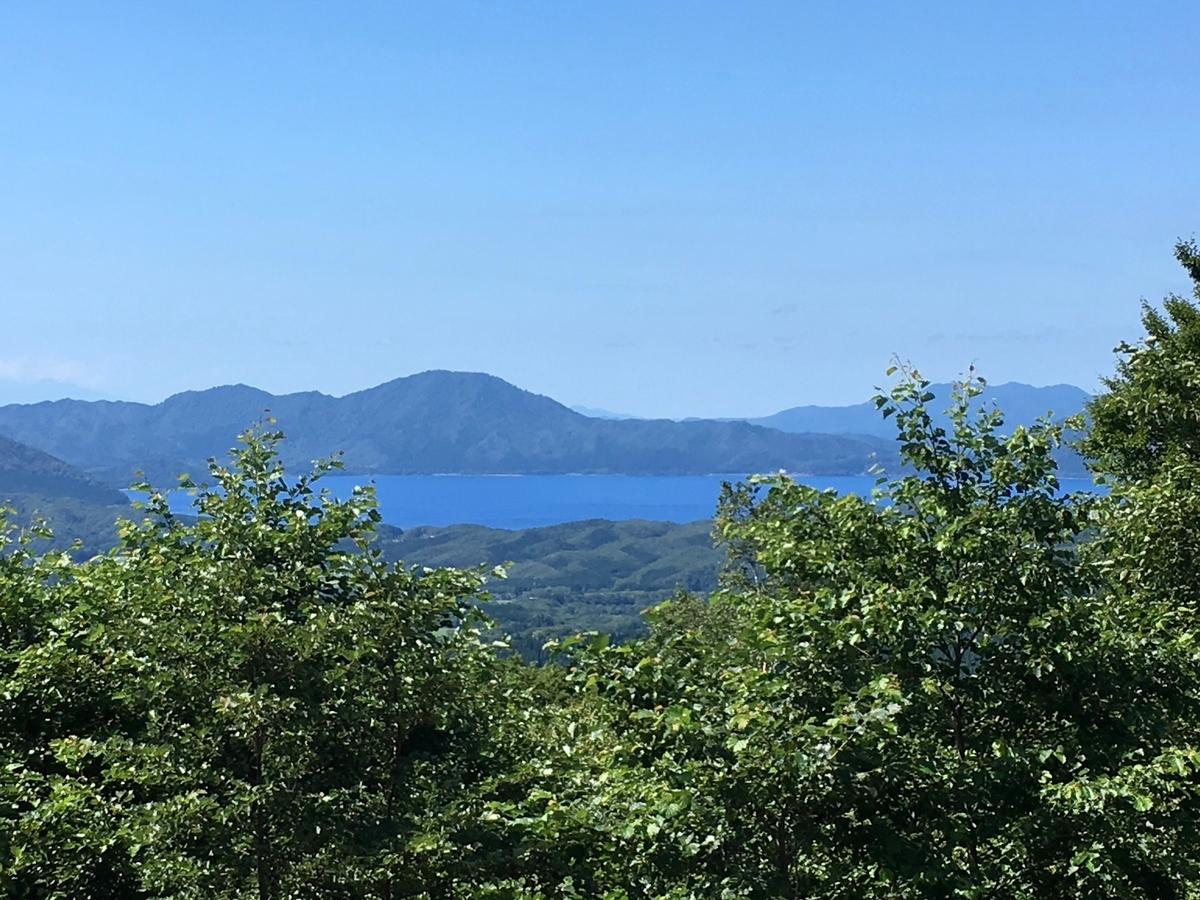 アルパこまくさの露天風呂より望む田沢湖