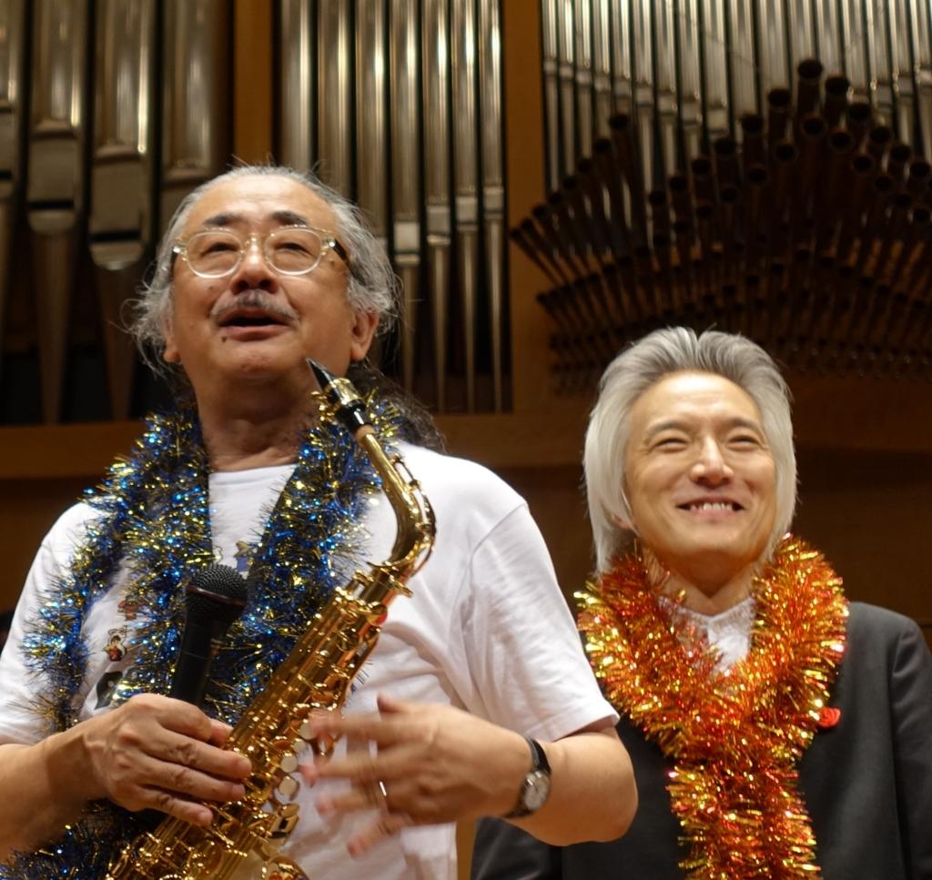 ノビヨ師匠と栗田さんが写る写真