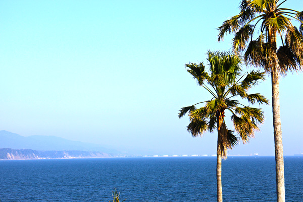 指宿市から錦江湾を眺める