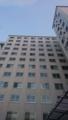 都会の無機質な窓