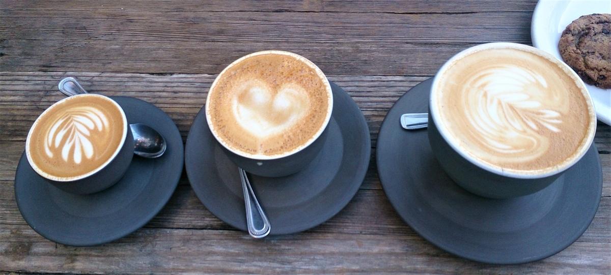 カフェラテが3つ