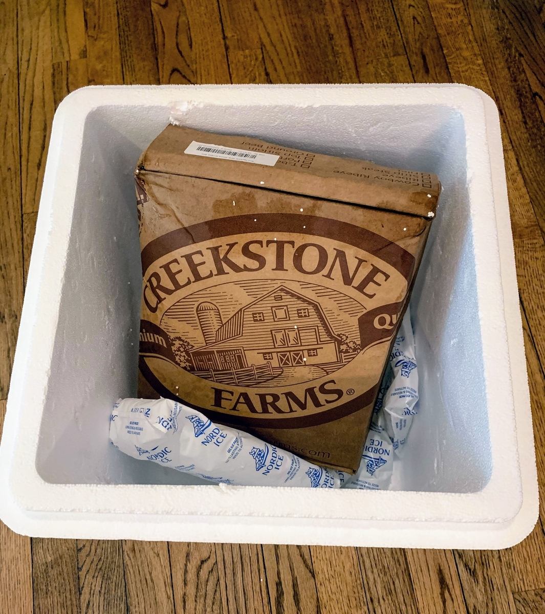 クリークストーン:発砲スチロールの箱を開封