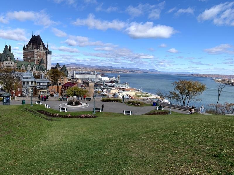 ケベック:トッケビロケ地のお墓がある丘