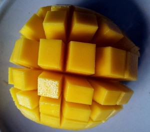 mango-cut-open-214268_640