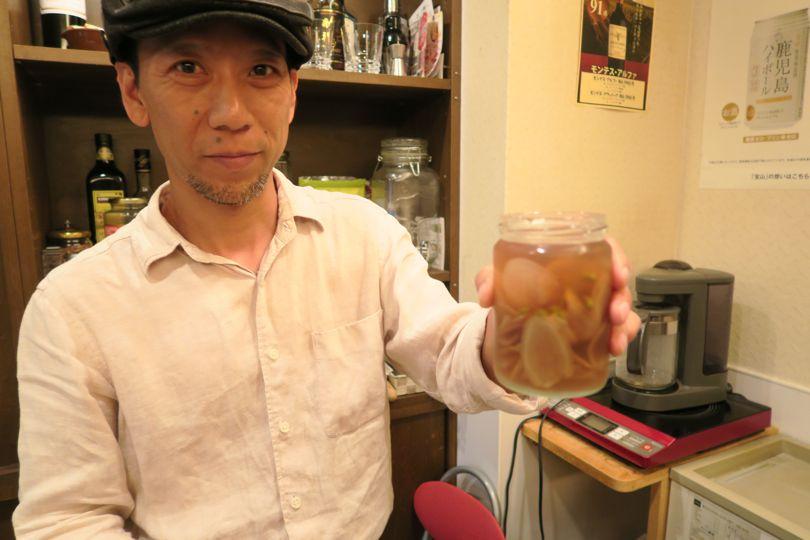 昼も夜もカレーがワンコイン! お酒片手にルー飲みOK「先斗町薬膳カレー」【京都】