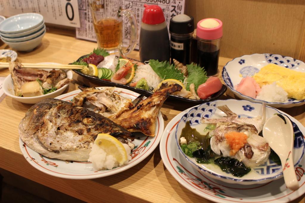 大阪出張時に訪れるべし! 新大阪駅構内の「海鮮が安いだけの店」でサク飲み【大阪】
