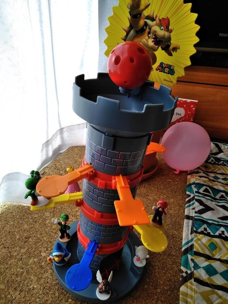 スーパーマリオ ぶっ飛び! タワーゲーム 人形を乗せてる状態