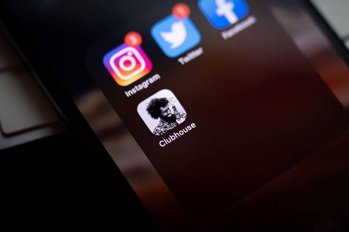 英語学習に最適!?今話題のSNSアプリ「Clubhouse」を体験してみた!
