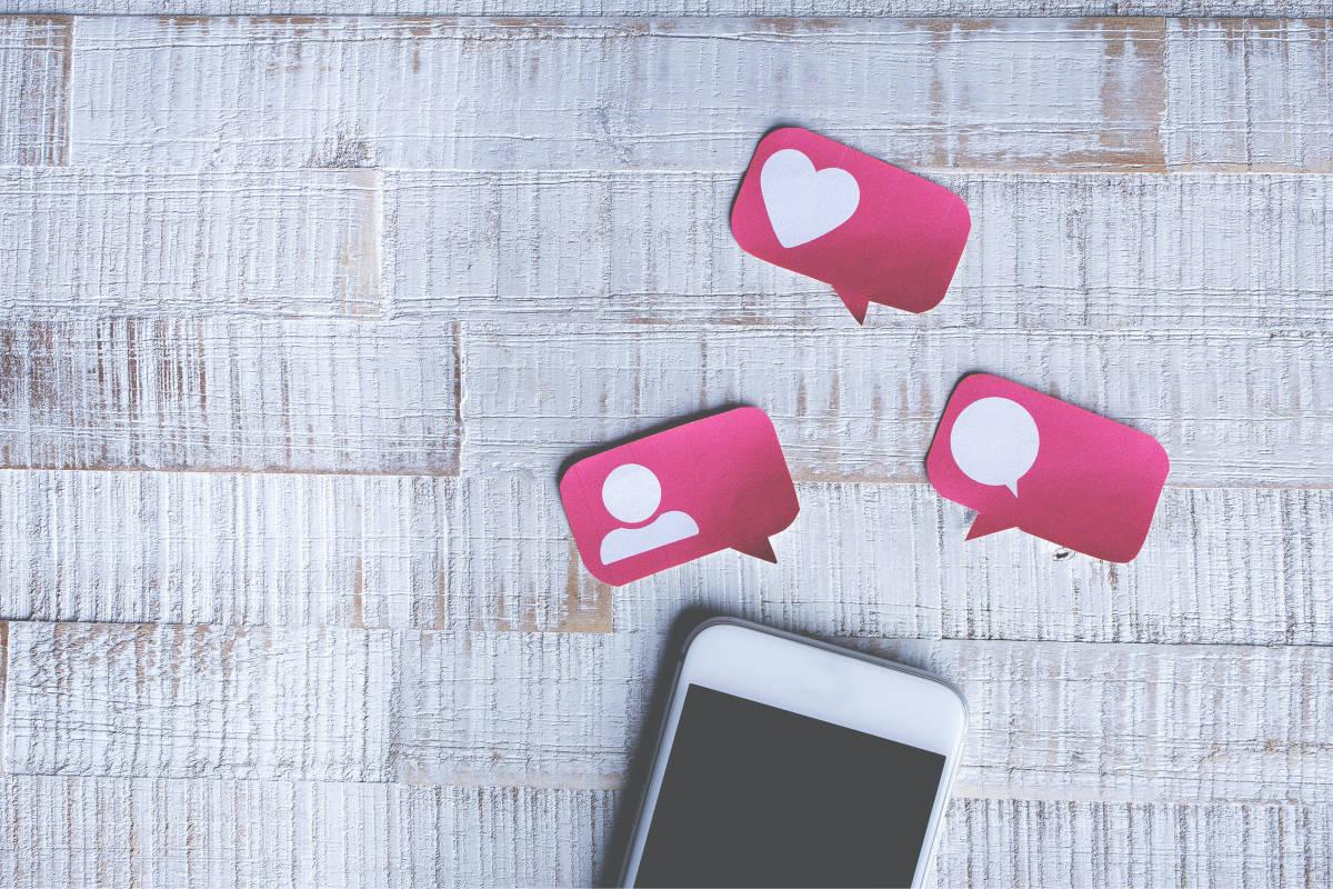 インスタグラムとフェイスブックで「いいね」数の非表示が可能に!背景にある「social pressure」とは?【ニュースな英語】