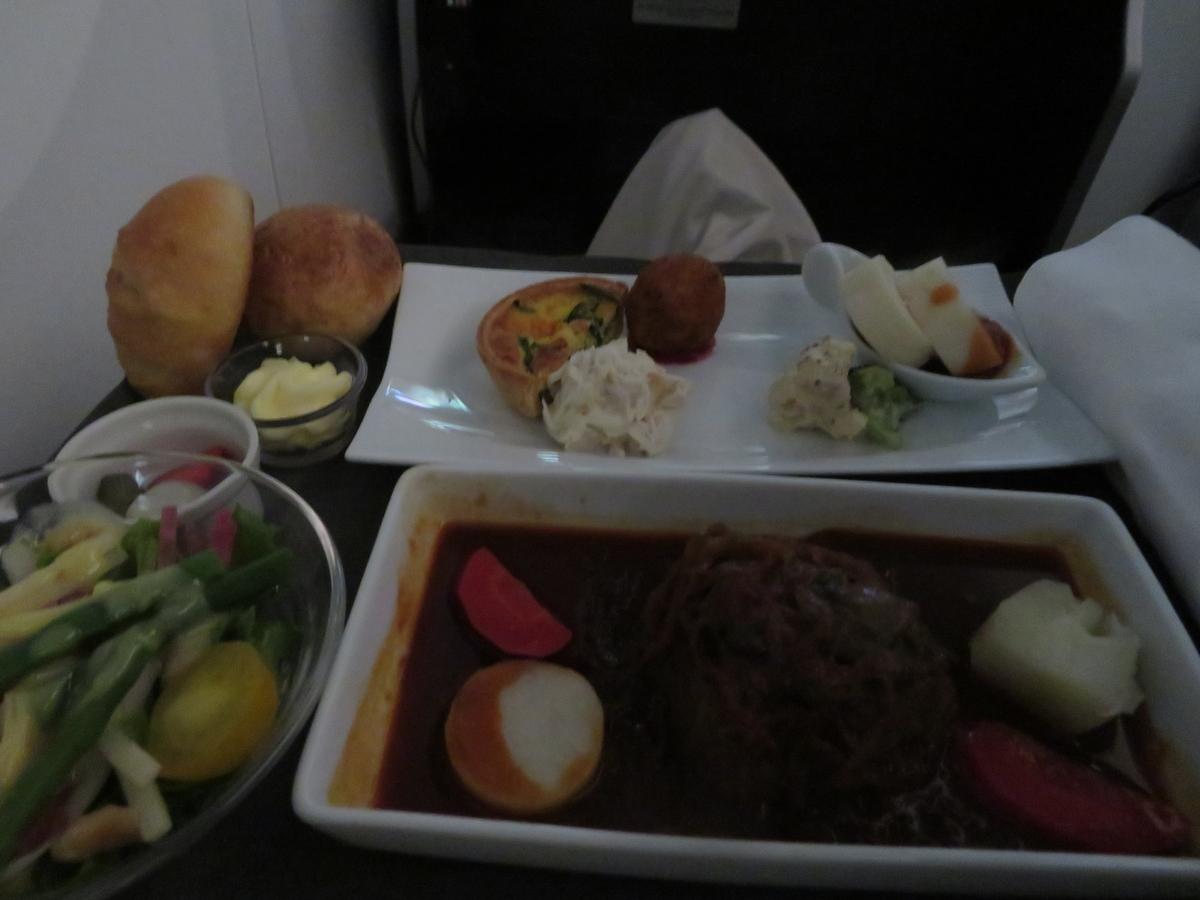JLA0780ビジネスクラスの食事(Dinner)