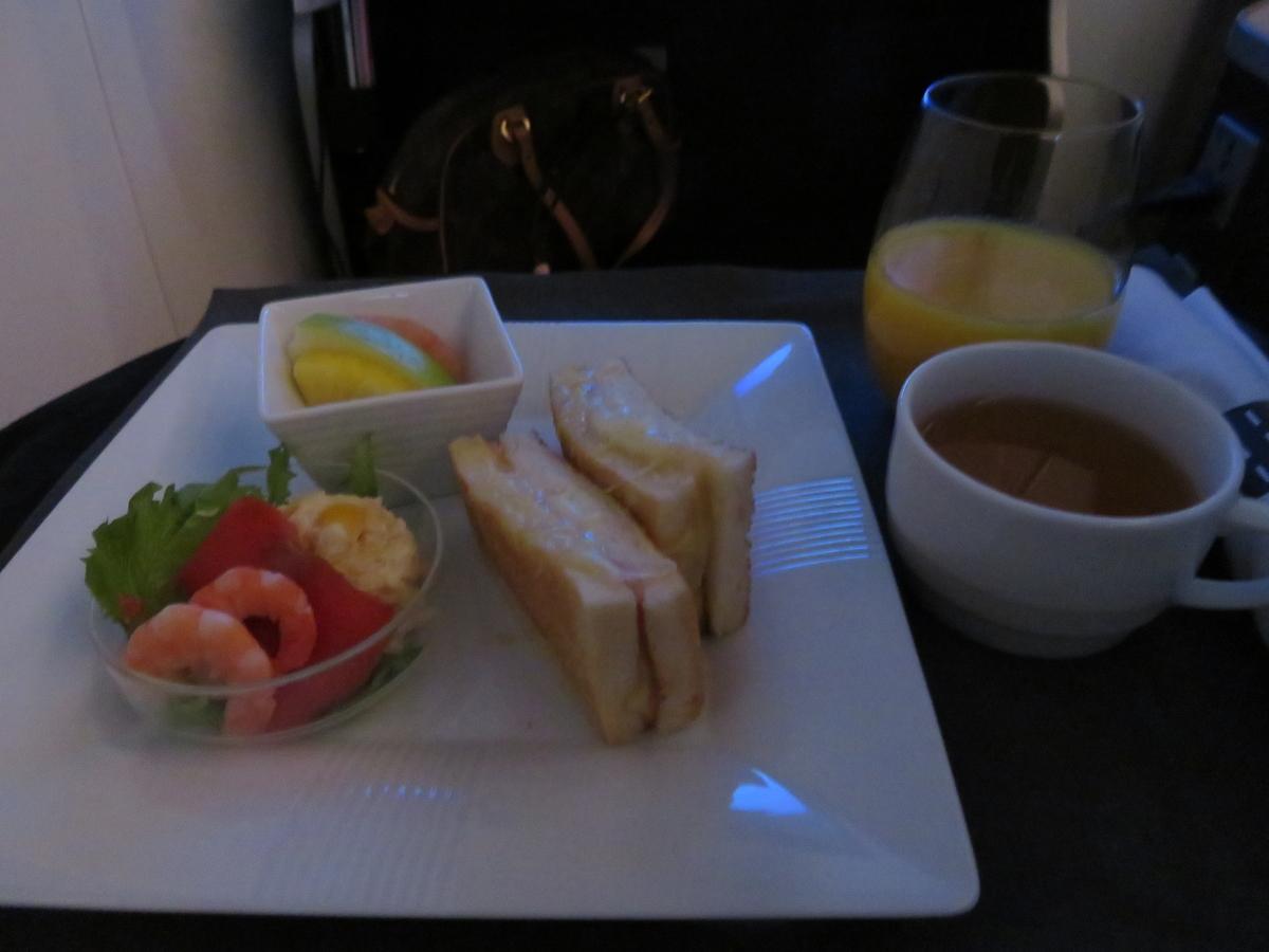 JAL0780ビジネスクラスの食事(Breakfast)