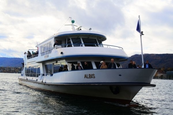 チューリッヒ遊覧船ALBIS