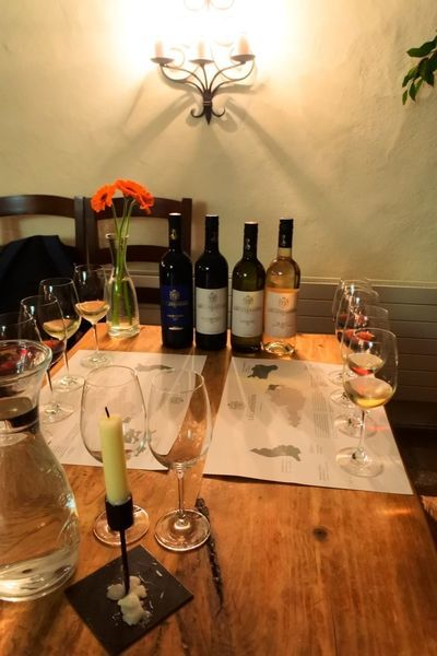 リヒテンシュタインにあるワイナリーでワイン試飲