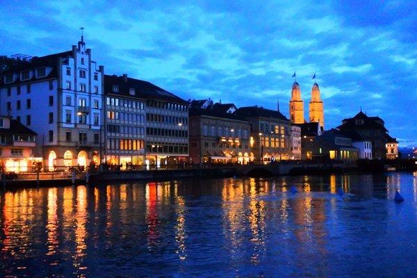 スイスのチューリッヒリマト川周辺