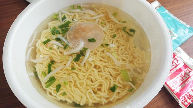 【おススメ★4】香味徳鳥取ゴールドレッドスパイシーのカップ麺を食べた感想