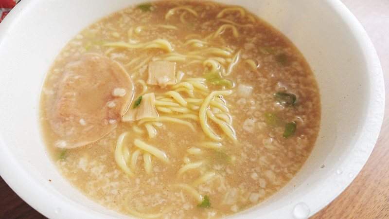 【おススメ★4】マルちゃん正麺 濃ニボ ガッツリ背油入り濃厚煮干しラーメン