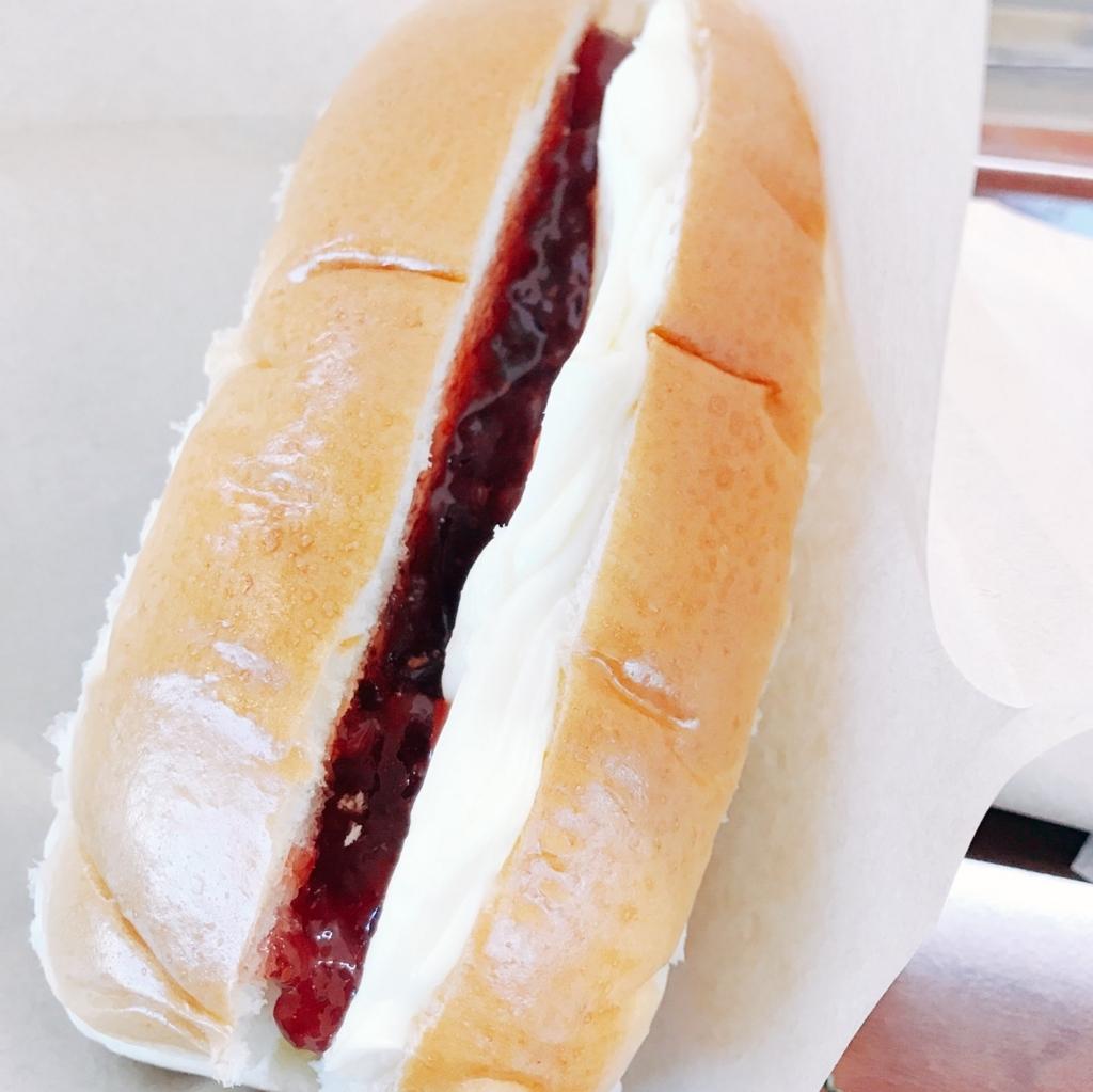 ジャムマーガリンパン