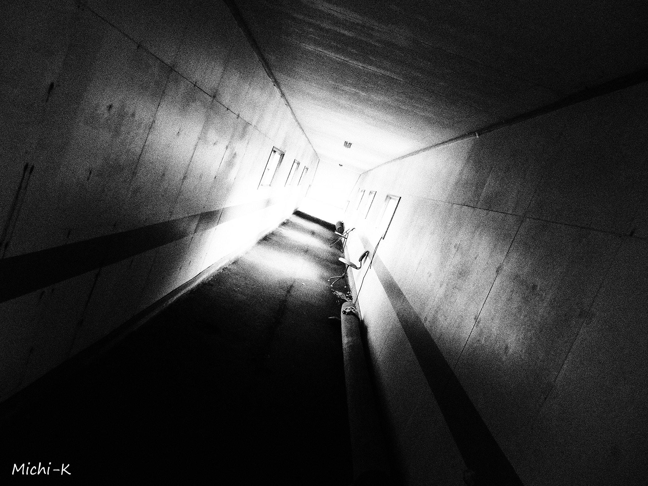 高屋駅(モノクロ写真その3)
