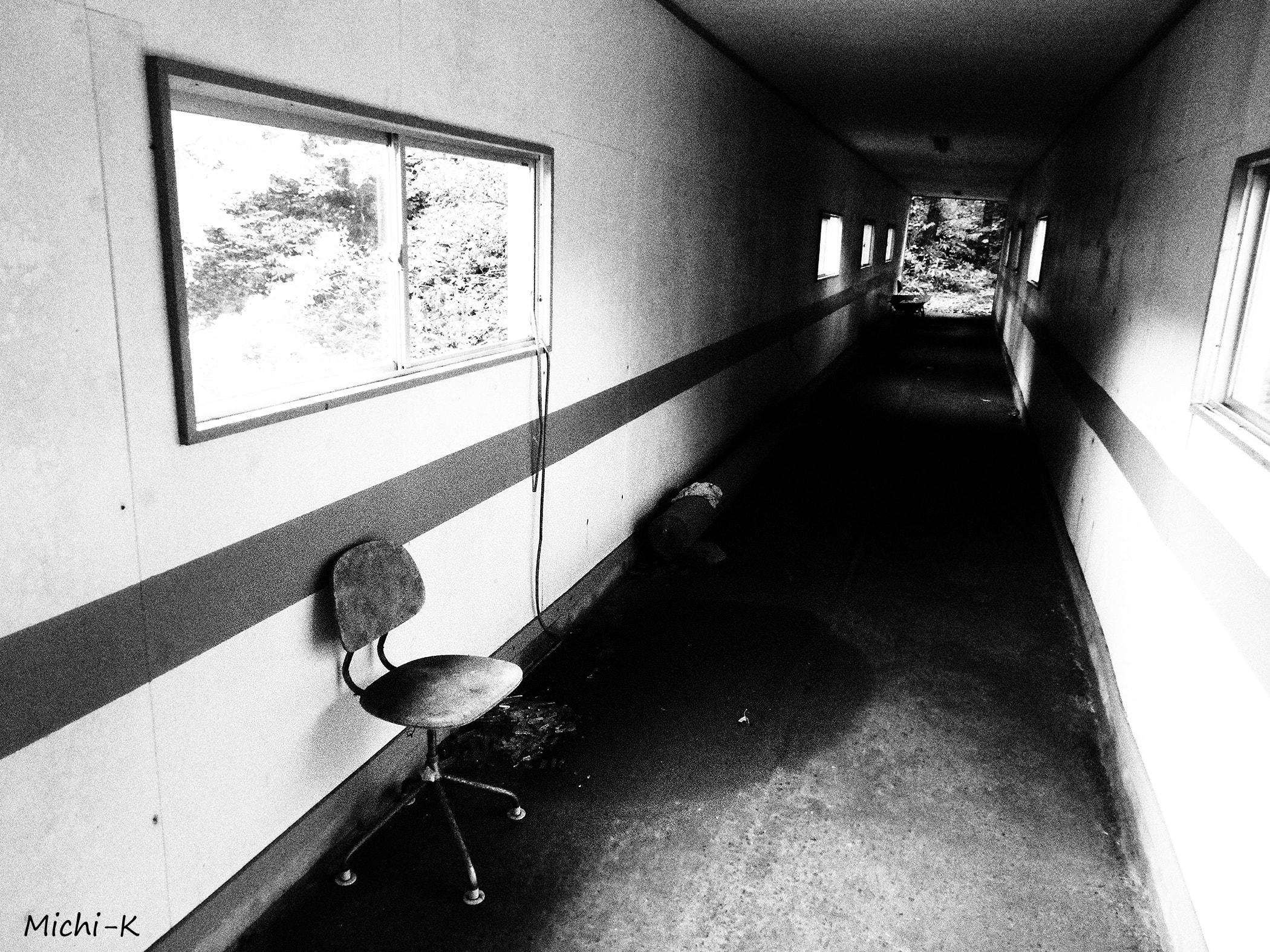 高屋駅(モノクロ写真その4)
