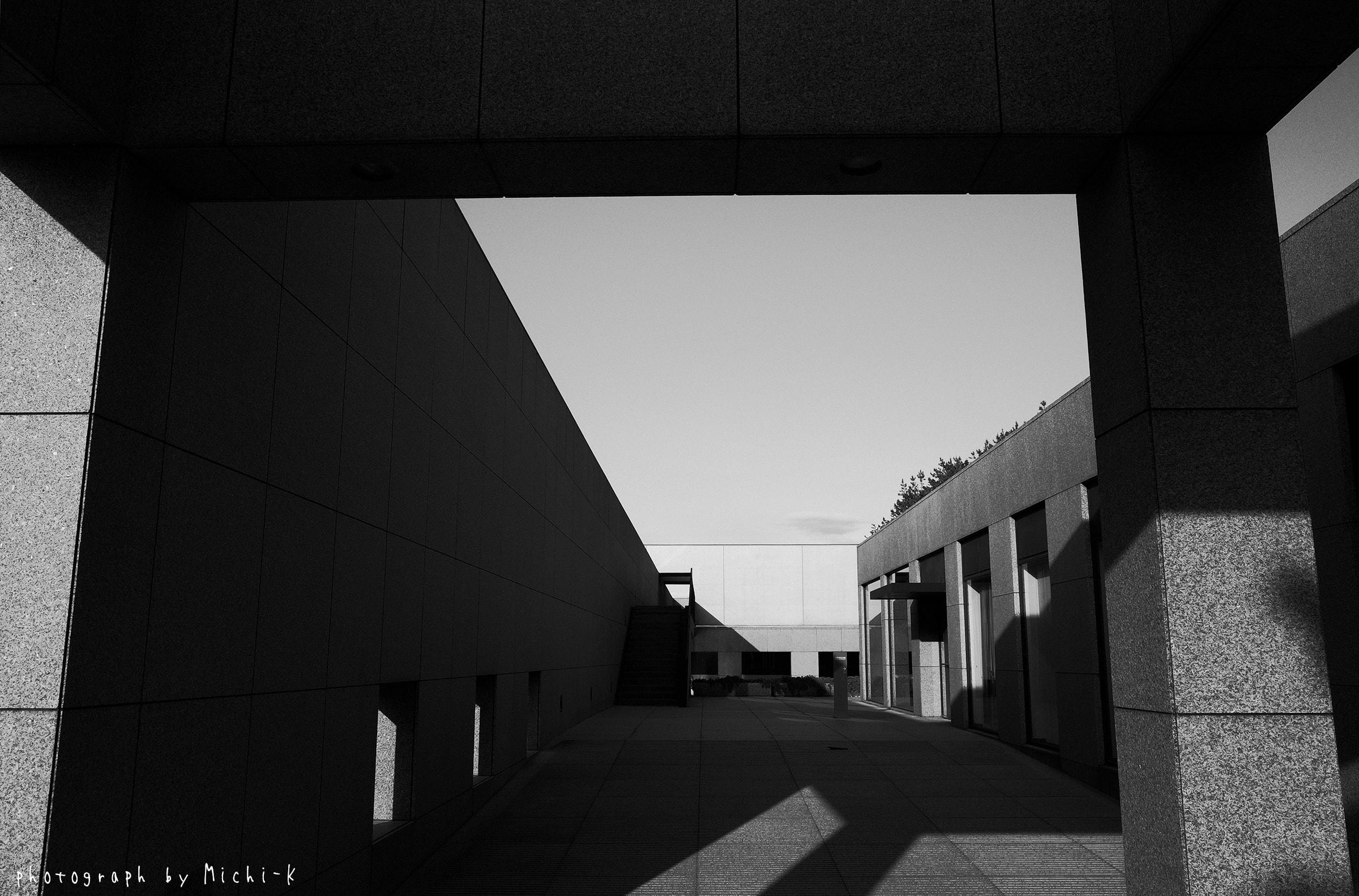 土門拳記念館-2(モノクロ)