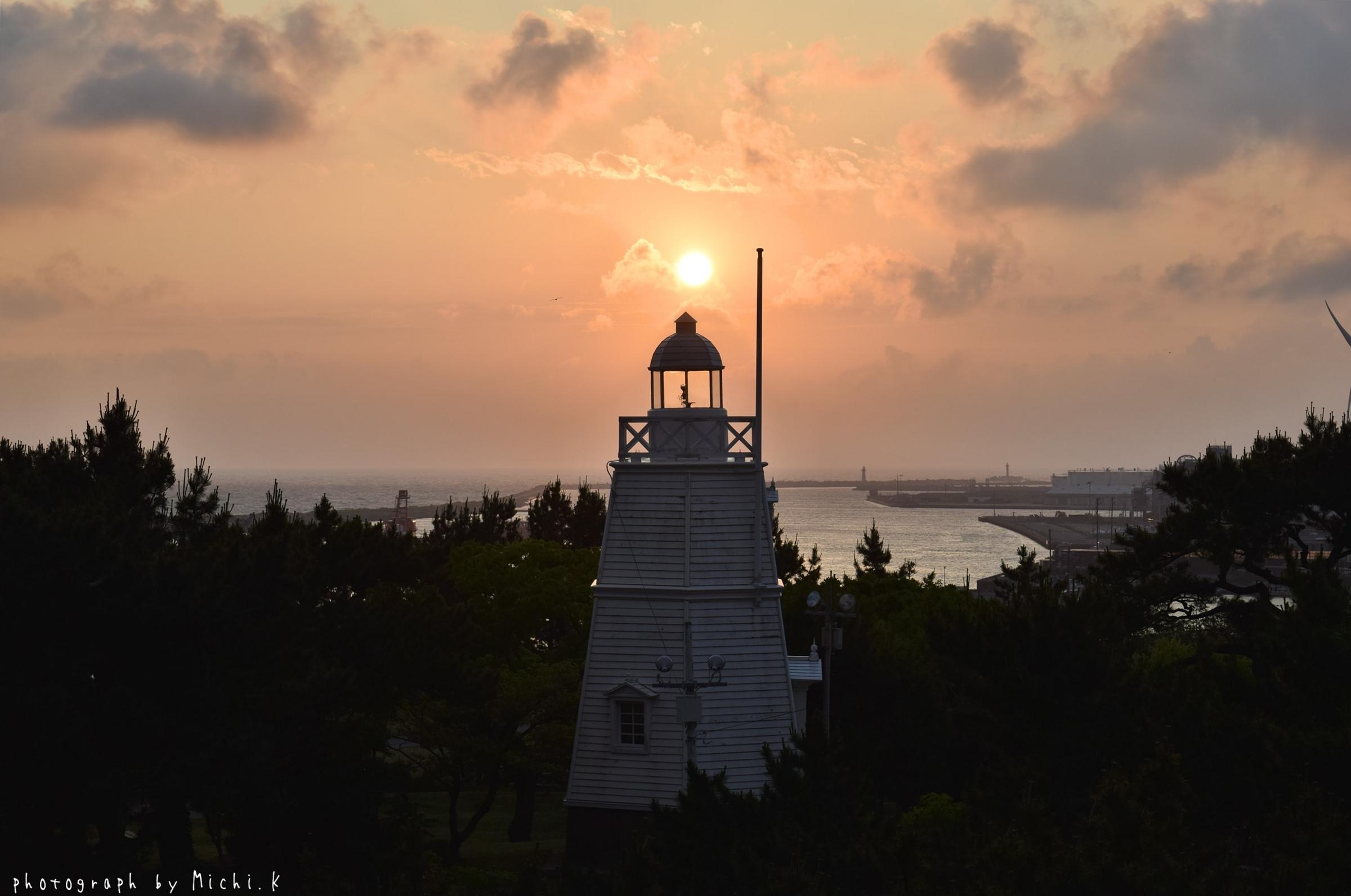 2018年夏至の日の日和山六角灯台(その2)